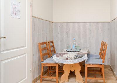 101. emeleti, erkélyes, hálószoba, nappali, 4 személyes lakosztály , nem pótágyazható