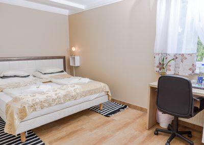 104. emeleti franciaágyas szoba, nem pótágyazható