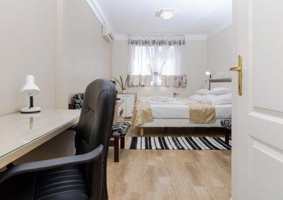 105. emeleti franciaágyas szoba, pótágyazható