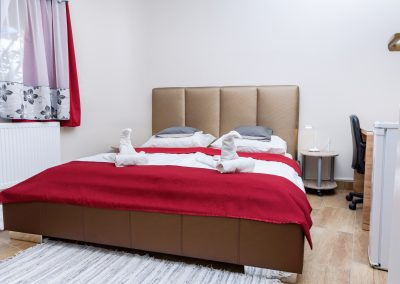 15. földszinti franciaágyas szoba, nem pótágyazható