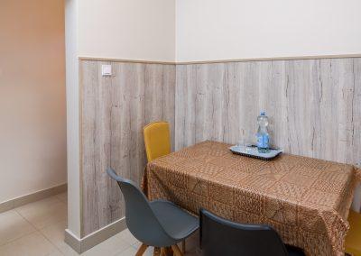 18. földszinti-udvari külön ágyas apartman, nem pótágyazható